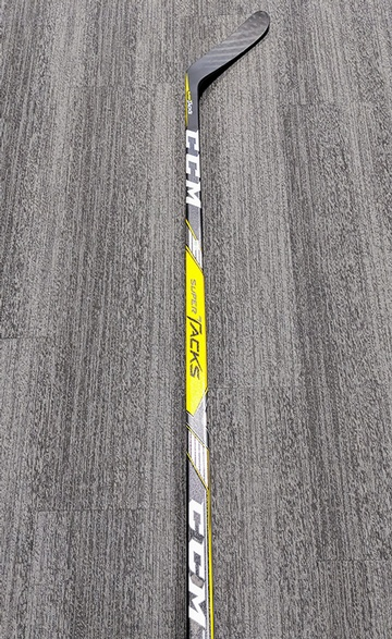 Right_Pro_Stock_Sundqvist_CCM_Super_Tacks_90_Flex_Stick_04