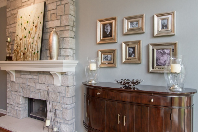 Wall Art Using Photo Frames - Professional Home Decorators Kansas City
