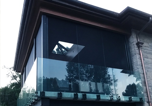 EN3 Sunprotection, residential exterior,  Exterior Motorized Roller System XTR100-Zip SRS (Screen Retention System), Pocket Integrated Application, Phifer PetScreen,  Lake Simcoe, Ontario, 1B