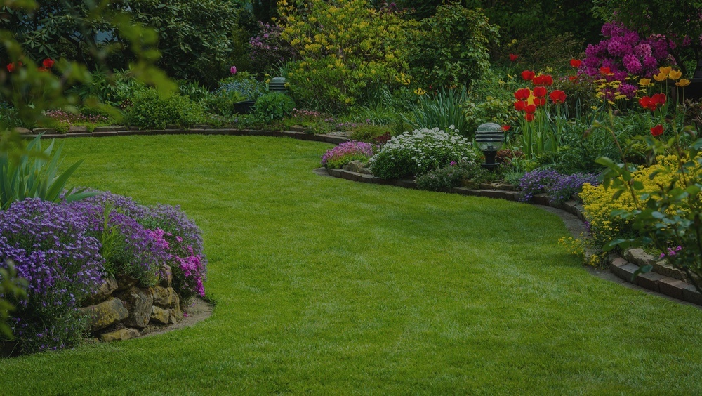 Landscape Maintenance Services by Arborist in Calgary AB - Ornamental Landscape Maintainers Ltd