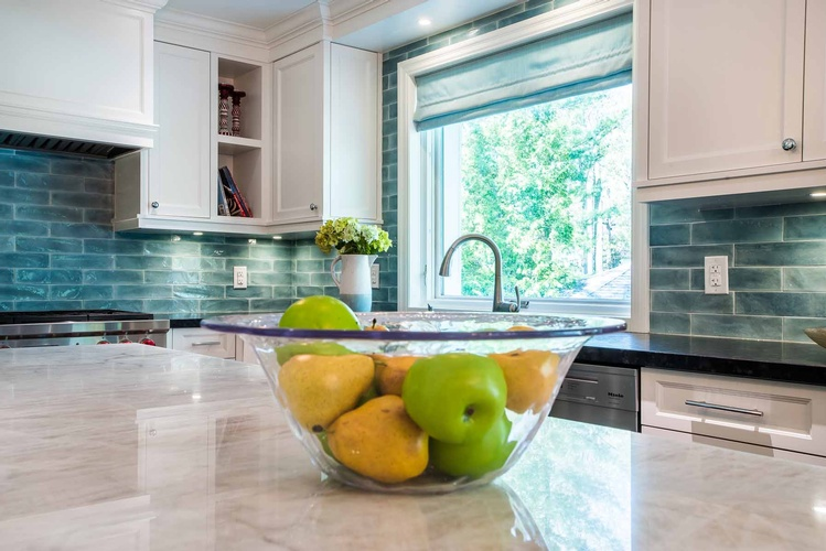 Kitchen Renovations Mississauga by PARSONS INTERIORS LTD.