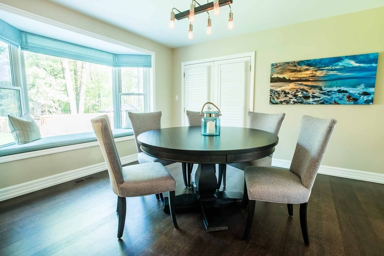 Dining Room Design Oakville by PARSONS INTERIORS LTD.