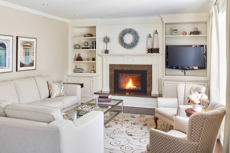 Living Room Design Mississauga by PARSONS INTERIORS LTD.