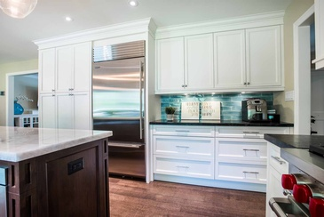 Kitchen Interior Design Lorne Park by Parsons Interiors Ltd.