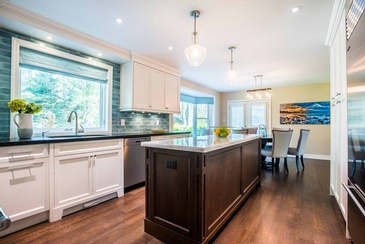 Kitchen Interior Design in Mississauga by Parsons Interiors Ltd.