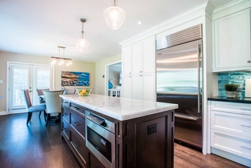 Kitchen Mississauga - Kitchen Interior Design in Oakville ON by Parsons Interiors Ltd.