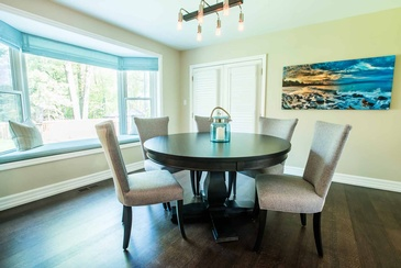 Kitchen Table - Kitchen Design in Mississauga by Parsons Interiors Ltd.