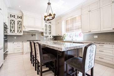 Kitchen Design by Interior Decorator in Oakville at Parsons Interiors Ltd.