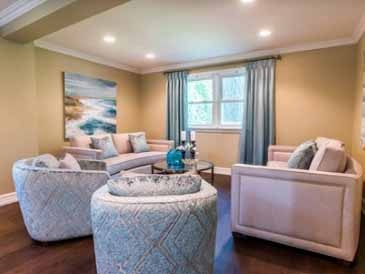 Spring Home Mississauga - Interior Decorating by PARSONS INTERIORS LTD.