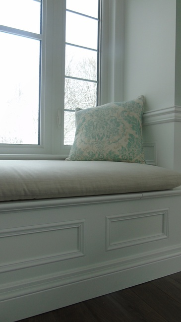 interior-designer-oakville-custom pillows
