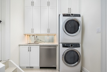 Laundry Room - Custom Cabinets Mississauga by Parsons Interiors Ltd.