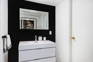 Powder Room - Interior Design Specialists in Oakville ON by Parsons Interiors Ltd.