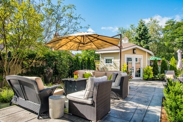 Backyard Furniture - Interior Design in Mississauga by Parsons Interiors Ltd.