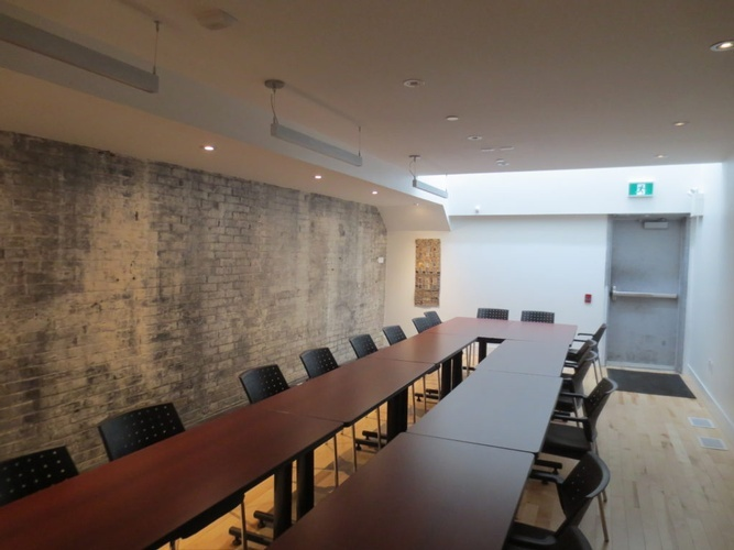 Contemporary Conference Room by The Architect Builders Collaborative Inc