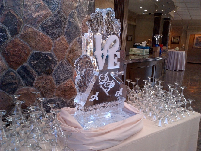 Ice Table Centerpiece Sculpture by Festive Ice Sculptures