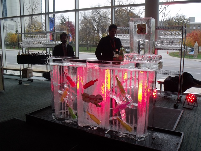Ice Bar Sculpture Mississauga by Festive Ice Sculptures