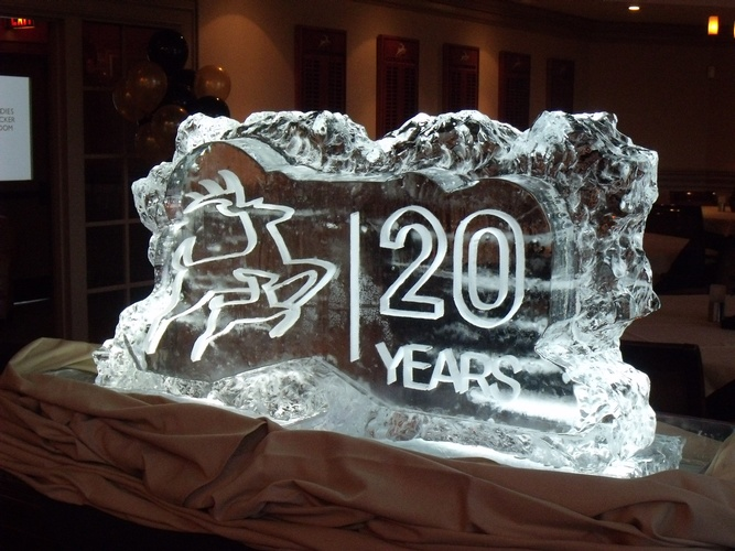 Ice Sculptor in London - Festive Ice Sculptures