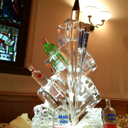 Ice Sculpture Ice Bar Ice Luge Ice Coctail Luge Ice drink server Ice Logo Luge London Hamilton Cambridge Oakville Windsor (36)