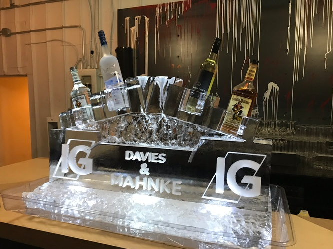 Ice Sculpture Ice Bar Ice Luge Ice Coctail Luge Ice drink server Ice Logo Luge London Hamilton Cambridge Oakville Windsor (14)
