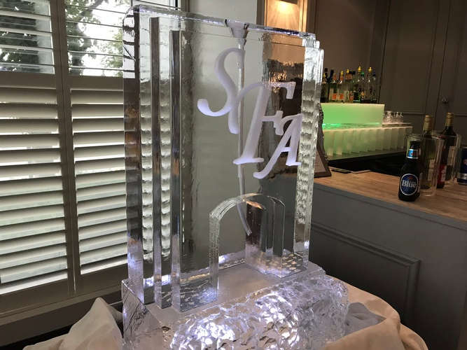 Ice Sculpture Ice Bar Ice Luge Ice Coctail Luge Ice drink server Ice Logo Luge London Hamilton Cambridge Oakville Windsor (11)
