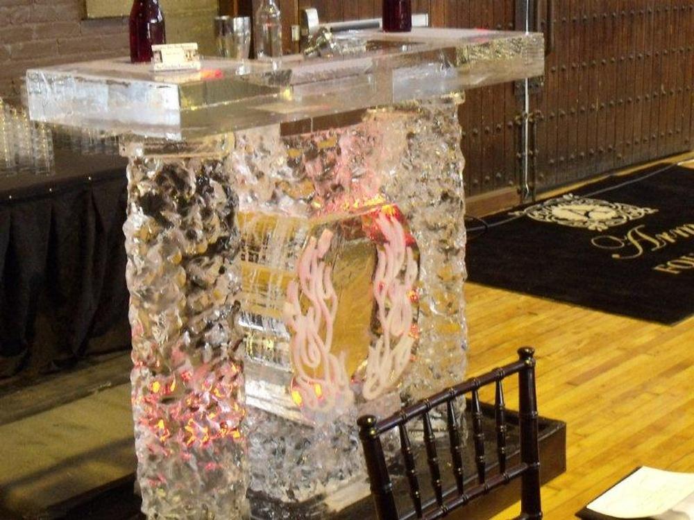 Ice Bar Sculpture Martini Luge Oakville Cambridge Hamilton