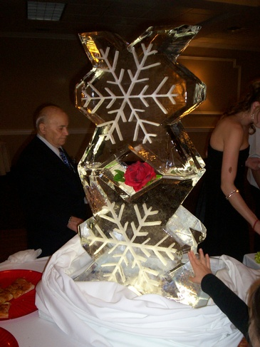 Snowflake Ice Sculpture Oakville by Festive Ice Sculptures
