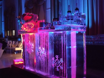 Ice Bar Sculpture Cambridge by Festive Ice Sculptures