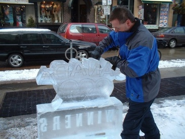 Ice Designs by Rich - The Ice Guy at Festive Ice Sculptures in London, Ontario