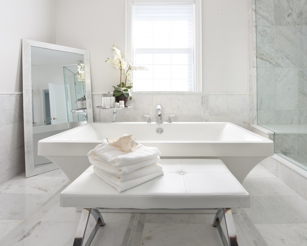 Stylish Bathroom Renovations in Richmond Hill by Royal Interior Design Ltd
