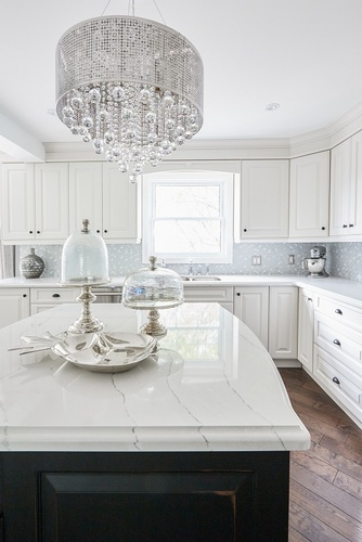 Classy White Kitchen Renovations Aurora by Royal Interior Design Ltd