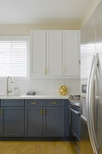 Kitchen Cabinets - Kitchen Renovations Aurora by Royal Interior Design Ltd