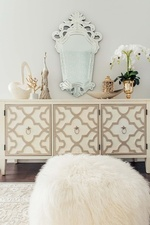 Decorative Accents on Console Table - Living Space Design in Markham by Royal Interior Design Ltd