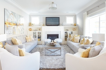 Fresh and Bright Living Space Decorating Services Thornhill ON by Royal Interior Design Ltd.