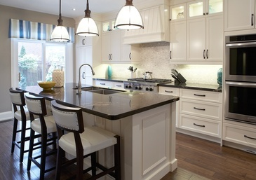 Traditional Kitchen Interior Design by Royal Interior Design Ltd.