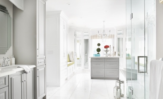 Luxury Kitchen Renovations Thornhill ON by Royal Interior Design Ltd.