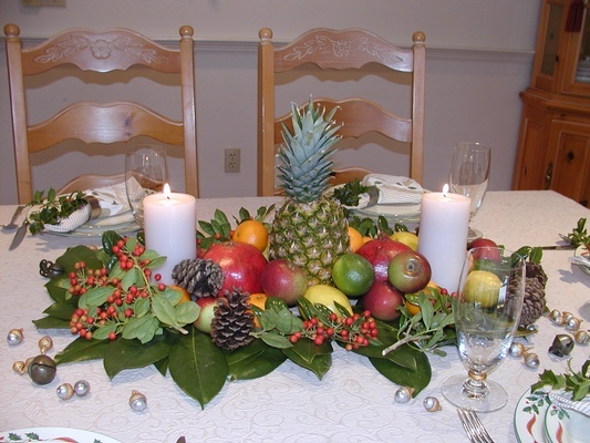 Best Christmas Table Decorations by Interior Designers Bedford NH - Tout Le Monde Interiors