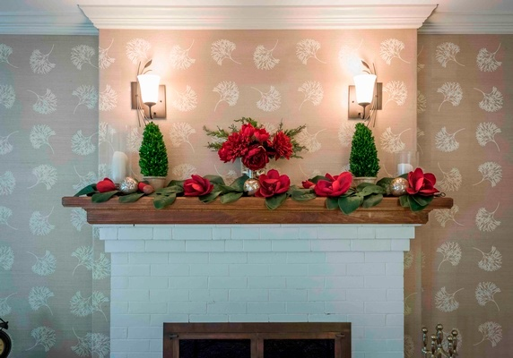 Christmas Table Decorations by Interior Decorators in Bedford - Tout Le Monde Interiors
