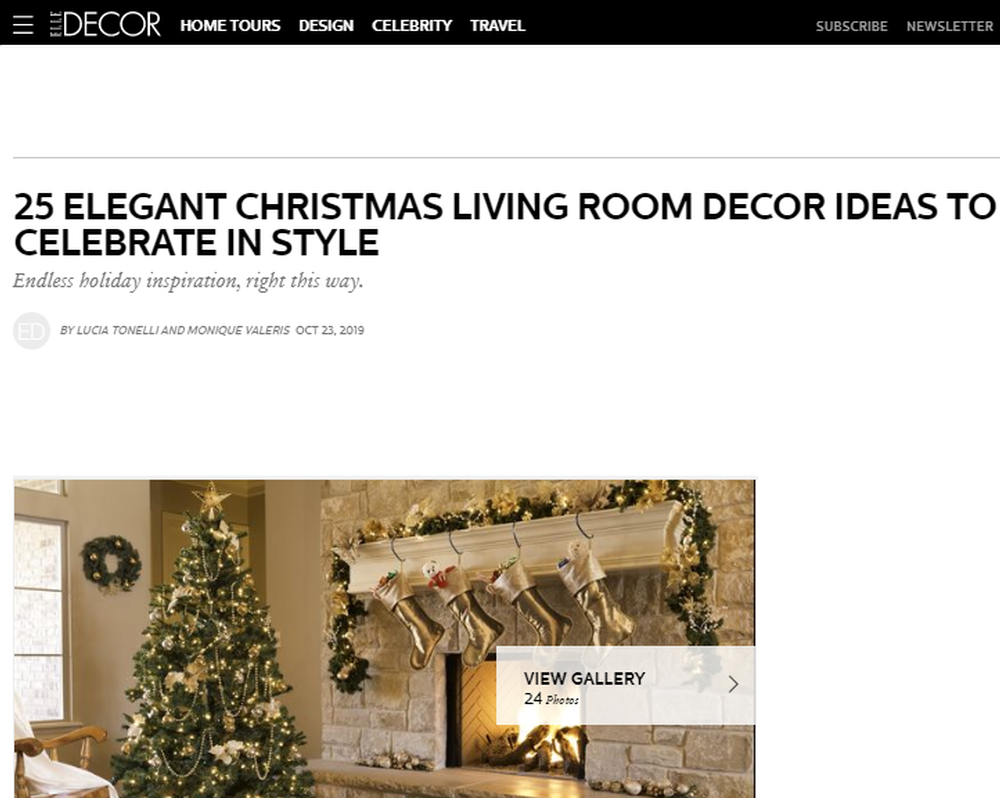 25 Stunning Christmas Living Rooms - Holiday Living Room Decor Ideas.png