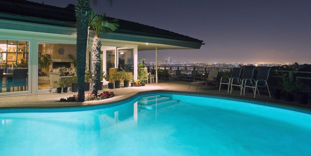 los-angeles-home-and-backyard-pool-overlooking-the-city-skyline-1587611488 (1).jpg