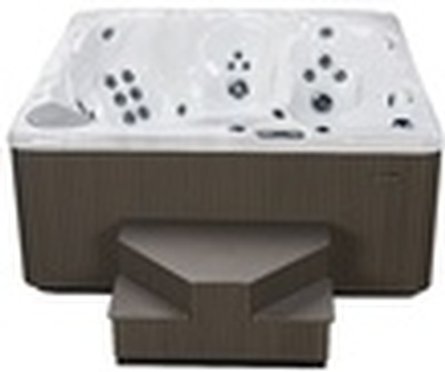 Buy Jacuzzi Hot Tub Online at Beachcomber Lloydminster