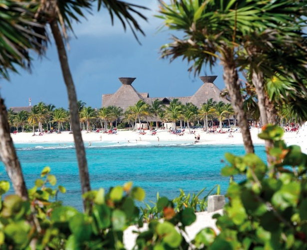 Destination Wedding, Honeymoon & Vow Renewal Packages to Barceló Maya Tropical