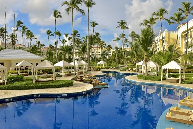 Destination Wedding, Honeymoon & Vow Renewal Packages to Iberostar Grand Hotel Bávarol