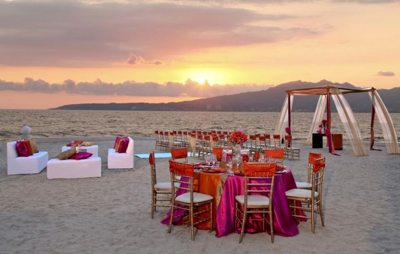 My wedding Away provides a perfect destination wedding at the Beautiful Dreams Villamagna Nuevo Vallarta