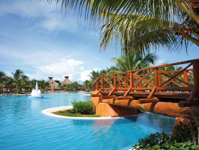 Destination Wedding, Honeymoon & Vow Renewal Packages to Barceló Maya Colonial