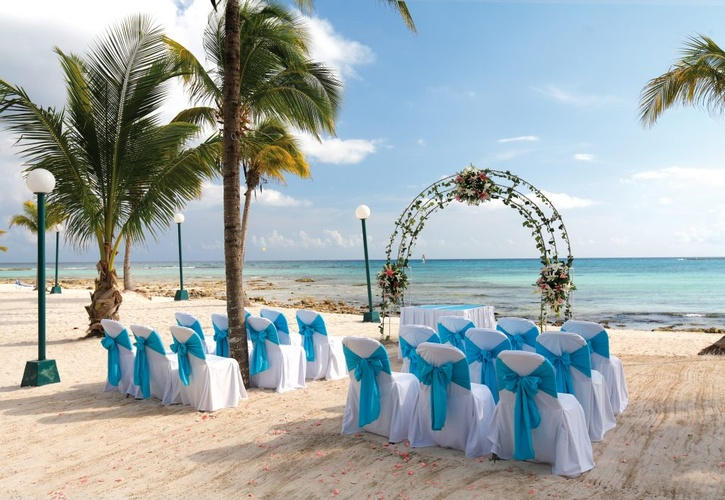 My wedding Away provides a perfect destination wedding at the Beautiful Barceló Maya Caribe