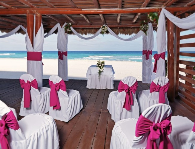 Destination Wedding, Honeymoon & Vow Renewal Packages to Iberostar Cancún