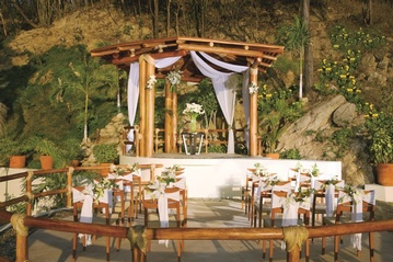 Plan your Destination Wedding or honeymoon at Dreams Huatulco Resort & Spa with My Wedding Away