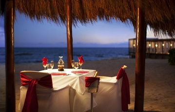 Destination Wedding packages to El Dorado Royale Suites  by My Wedding Away