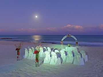 Plan your Destination Wedding or honeymoon at Iberostar Paraiso Maya with My Wedding Away
