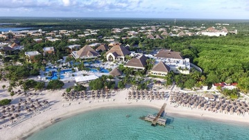 Plan your Destination Wedding or honeymoon at Luxury Bahia Principe Akumal with My Wedding Away